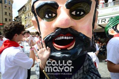 14-08-03-fiestas-de-estella-calle-mayor-comunicacion-y-publicidad-036
