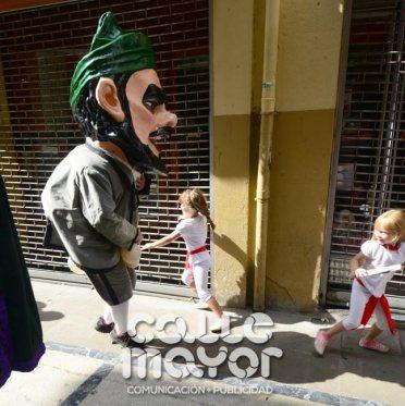14-08-04-fiestas-de-estella-calle-mayor-comunicacion-y-publicidad-038