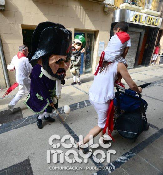 14-08-04-fiestas-de-estella-calle-mayor-comunicacion-y-publicidad-047