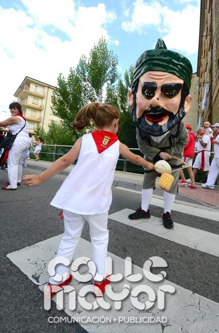 14-08-04-fiestas-de-estella-calle-mayor-comunicacion-y-publicidad-066