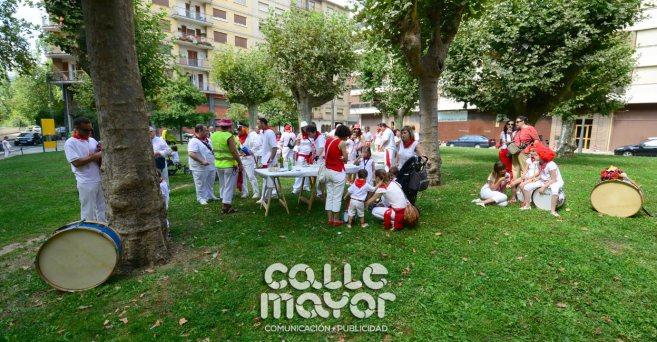 14-08-04-fiestas-de-estella-calle-mayor-comunicacion-y-publicidad-072