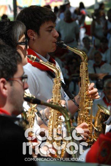 14-08-05-fiestas-de-estella-calle-mayor-comunicacion-y-publicidad-070