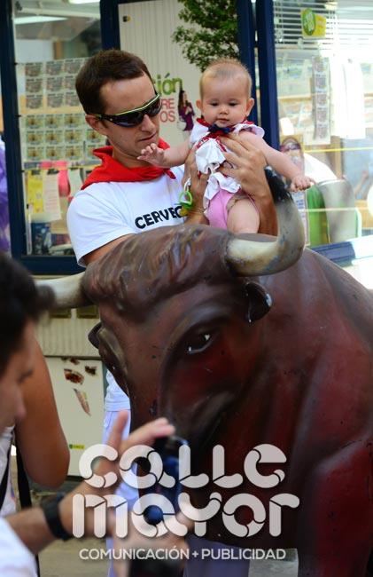 14-08-05-fiestas-de-estella-calle-mayor-comunicacion-y-publicidad-092