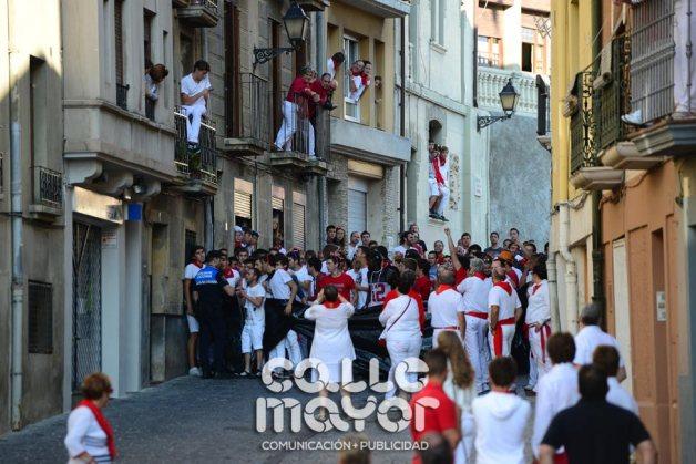 14-08-06-fiestas-de-estella-calle-mayor-comunicacion-y-publicidad-075