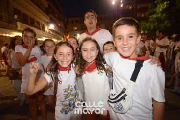 15-08-04-fiestas-de-estella-calle-mayor-comunicacion-y-publicidad-(110)