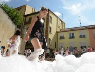 15-08-05-fiestas-de-estella-calle-mayor-comunicacion-y-publicidad- (63)