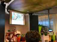 Angela Enthoven vertelt over de samenwerking tussen Bezoek Westland en Fietsen voor m'n eten — bij Tomatoworld.