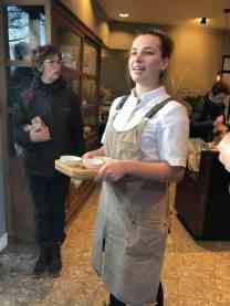 We werden verwend met een lekker stukje marsepeincake en het verhaal van de bakkerij bij Bakkerij Vreugdenhil — bij Bakkerij Vreugdenhil.