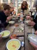 Heerlijk die soep met al die toevoegingen en smeerseltjes — bij De Jachthaven Kwintsheul.