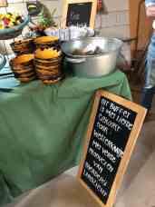 Dat buffet vol door Westerkaatje met liefde gekookt eten was van verse producten van Landzicht Biologisch Groentenabonnement (Strijen) — bij Landzicht Biologisch Groentenabonnement.