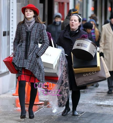 leighton-meester-blair-waldorf-gossip-girl-shopping-spree__oPt