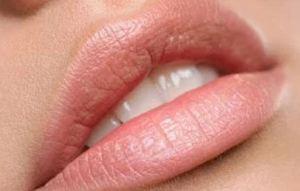 Read more about the article Μυστικά για σαρκώδη χείλη