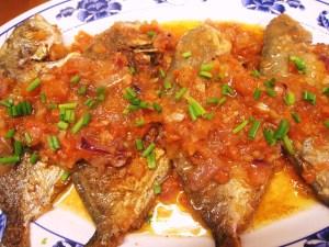 Ψάρια σαβόρ (μαρινάτα)