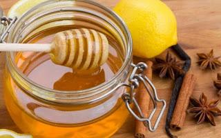 Μέλι & κανέλα: Όλες οι θεραπευτικές τους ιδιότητες.fiftififti.eu