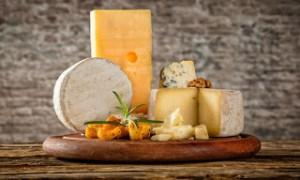 Το τυρί – υπερτροφή που συμβάλλει στη μακροζωία