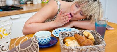Εσείς γνωρίζετε ότι τα λιπαρά γεύματα φέρνουν υπνηλία