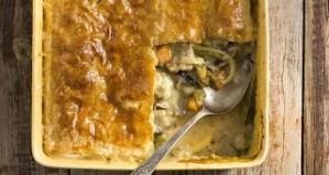 Πίτα με κοτόπουλο και λαχανικά-Άκης Πετρετζίκης