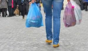 Πότε θα χρεώνονται και πότε όχι οι πλαστικές σακούλες