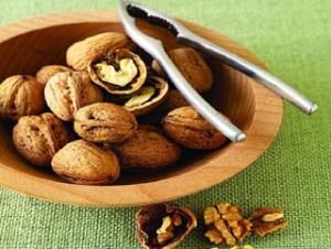 Τα καρύδια ανήκουν στα ΦΑΡΜΑΚΑ λέει ο FDA