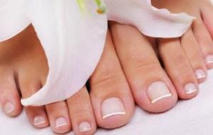 Έτσι θα φροντίσεις τα νύχια των ποδιών που μεγαλώνουν στραβά!