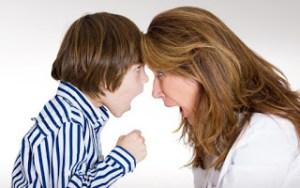 Οι πέντε ατάκες που πρέπει να λέτε στο παιδί όταν ξεσπάει