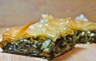 Παραδοσιακή χορτόπιτα με ανθότυρο