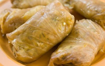 Ένα πιάτο με ξεχωριστή γεύση: Λαχανοντολμάδες με μπακαλιάρο