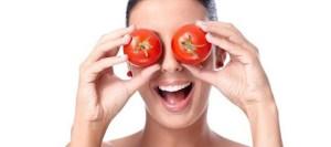Μάσκα προσώπου με ντομάτα για να μοιάζεις 5 χρόνια νεότερη!