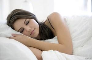 Πέντε πράγματα που πρέπει να γνωρίζετε αν μιλάτε στον ύπνο σας