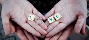 Περιμένεις πρόταση γάμου; Μάθε πώς θα σου ζητήσει να παντρευτείτε, ανάλογα με το ζώδιό του!