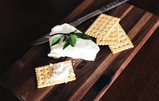 Read more about the article Πόσα μυστικά κρύβει το τυρί; Μάθε μερικά, για να το γεύεσαι καλά