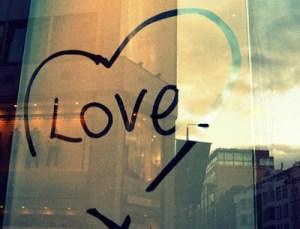Σχέσεις: 5 τρόποι για να γίνεις η καλύτερη κοπέλα που είχε ποτέ