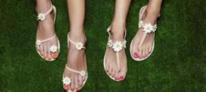 Tα ελληνικά σανδάλια που αποθέωσε η Vogue -Εμπνευσμένα από τη Τζάκι Ωνάση