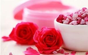 Τριαντάφυλλο και γυναικεία ομορφιά. Η προσφορά του τριαντάφυλλου στην αισθητική