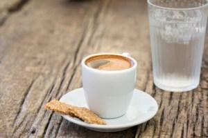 Πώς η διαδικασία της αποτοξίνωσης σχετίζεται με τον καφέ