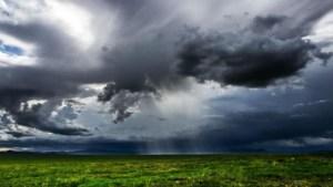 Σύννεφα και τοπικές καταιγίδες σήμερα