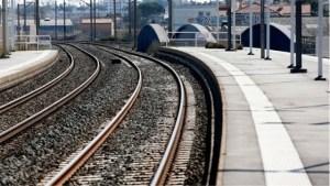 «Χειρόφρενο» σε τρένα και προαστιακό σήμερα