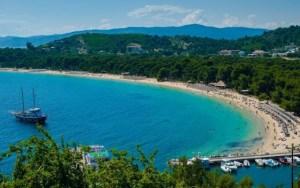 Read more about the article Παραλίες της Ελλάδας: Κουκουναριές, Σκιάθος