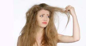 Read more about the article Θεραπείες για φθαρμένα μαλλιά – Οι 4 καλύτερες σπιτικές θεραπείες για μαλλιά βαμμένα, καμένα και κατεστραμμένα