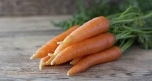 Φρέσκος χυμός καρότου: 9 λόγοι για να πιείτε τώρα ένα ποτήρι