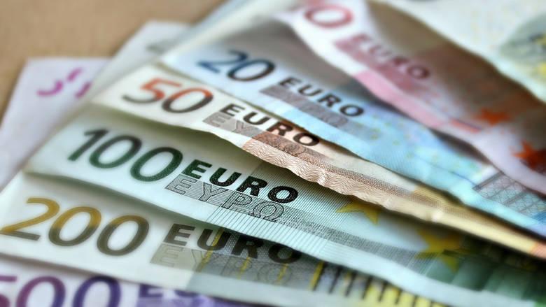 Read more about the article ΟΑΕΔ: Ποιοι οι δικαιούχοι του «τριπλού» επιδόματος