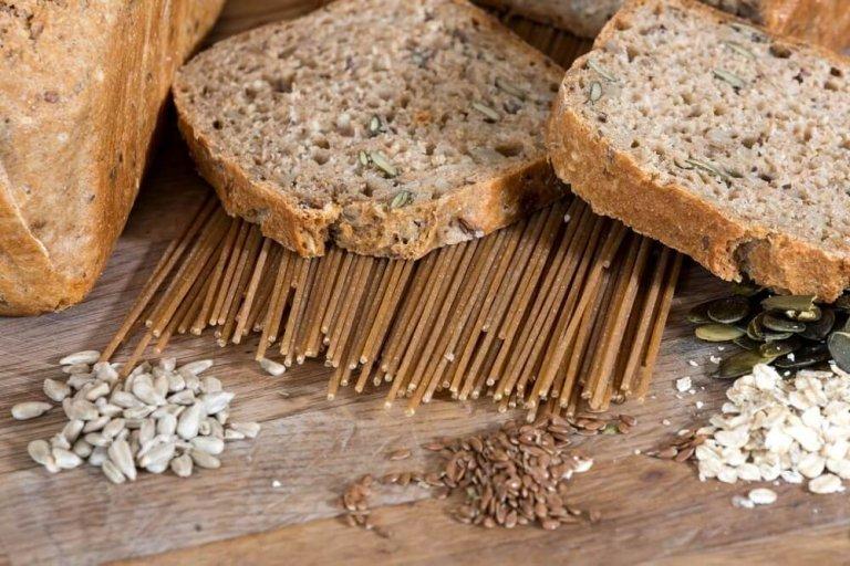 Ζαμπόν, σταρένιο ψωμί και ανανάς