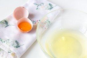 Πώς να φτιάξετε μάσκα προσώπου με ασπράδι αβγού και φλούδα πορτοκαλιού