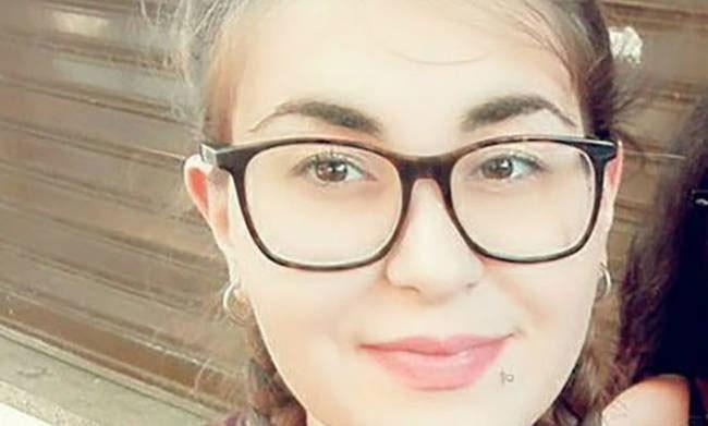 ''Και οι δύο δολοφόνησαν εν ψυχρώ την κόρη μου''