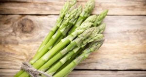 """10 τροφές που """"καθαρίζουν"""" τις αρτηρίες μας"""