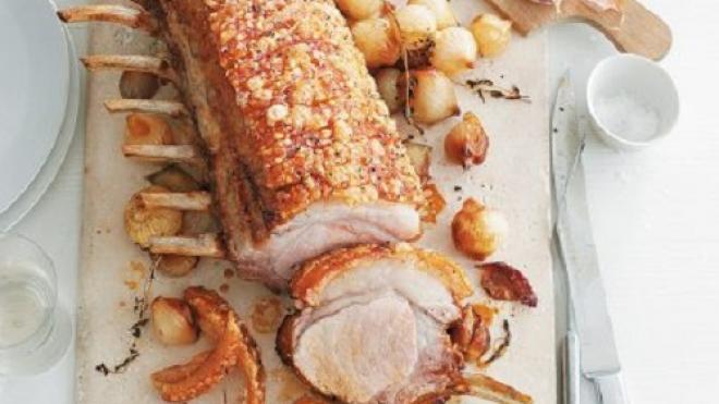 Μπριζολίκι χοιρινό με θυμάρι και κρεμμυδάκια εσαλότ