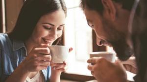 Ένα φλιτζάνι καφέ κάθε πρωί καταπολεμά την άνοια και το Πάρκινσον