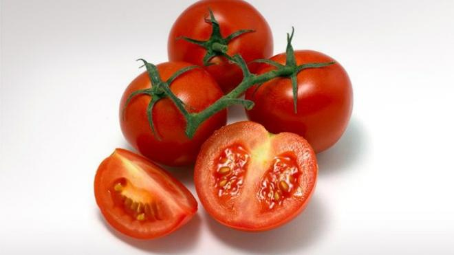 Καταπολεμήστε την ακμή με… ντομάτες