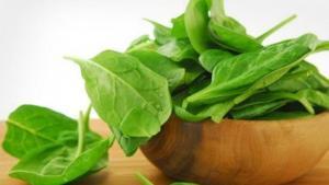 Read more about the article Μάσκα με σπανάκι για λείο και λαμπερό δέρμα