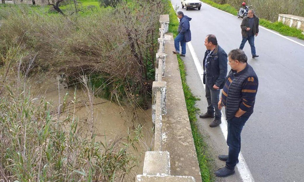 Αγωνία στην Κρήτη για τους 4 αγνοούμενους: «Τρέξτε, πνιγόμαστε» – Η δραματική έκκληση στο τηλέφωνο